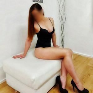 Modelka Zulema, BA. Fotenie erotiky, filmovanie amatérskeho porna